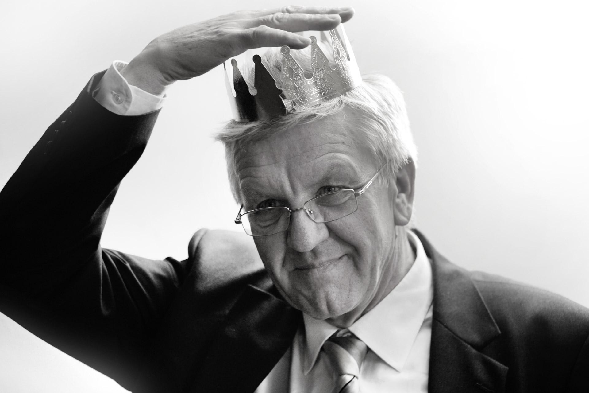 """Winfried Kretschmann, amtierender Ministerpräsident von Baden-Württemberg, BÜNDNIS 90/DIE GRÜNEN -  """"Der Starschnitt"""" Welt Kompakt 28.03.2011"""