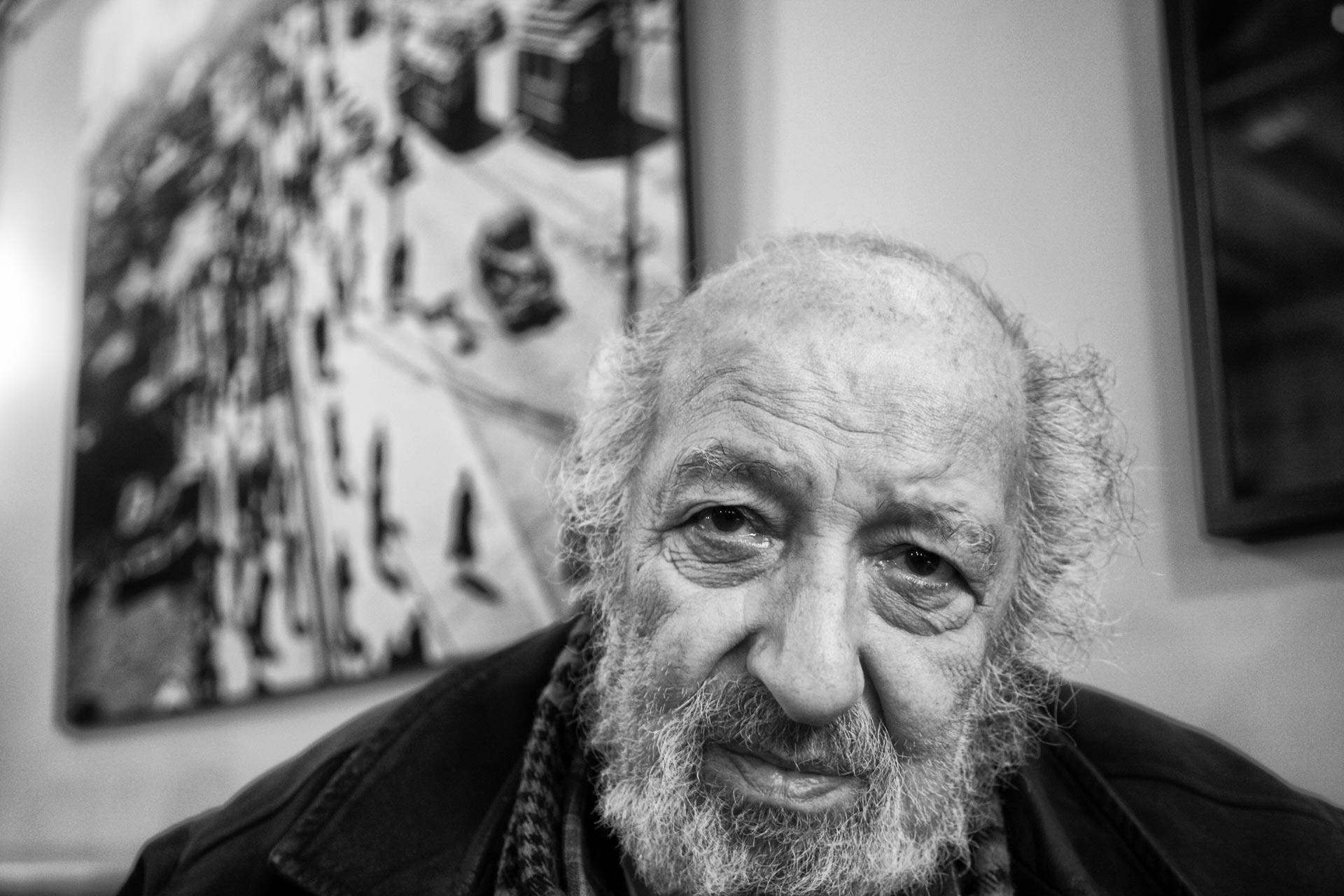 Ara Güler, *1928, Kafe Ara, Beyoğlu/İstanbul, is an Armenian-Turkish photojournalist. Güler, former member of the Magnum agency, is considered one of Turkey's few internationally known photographers -