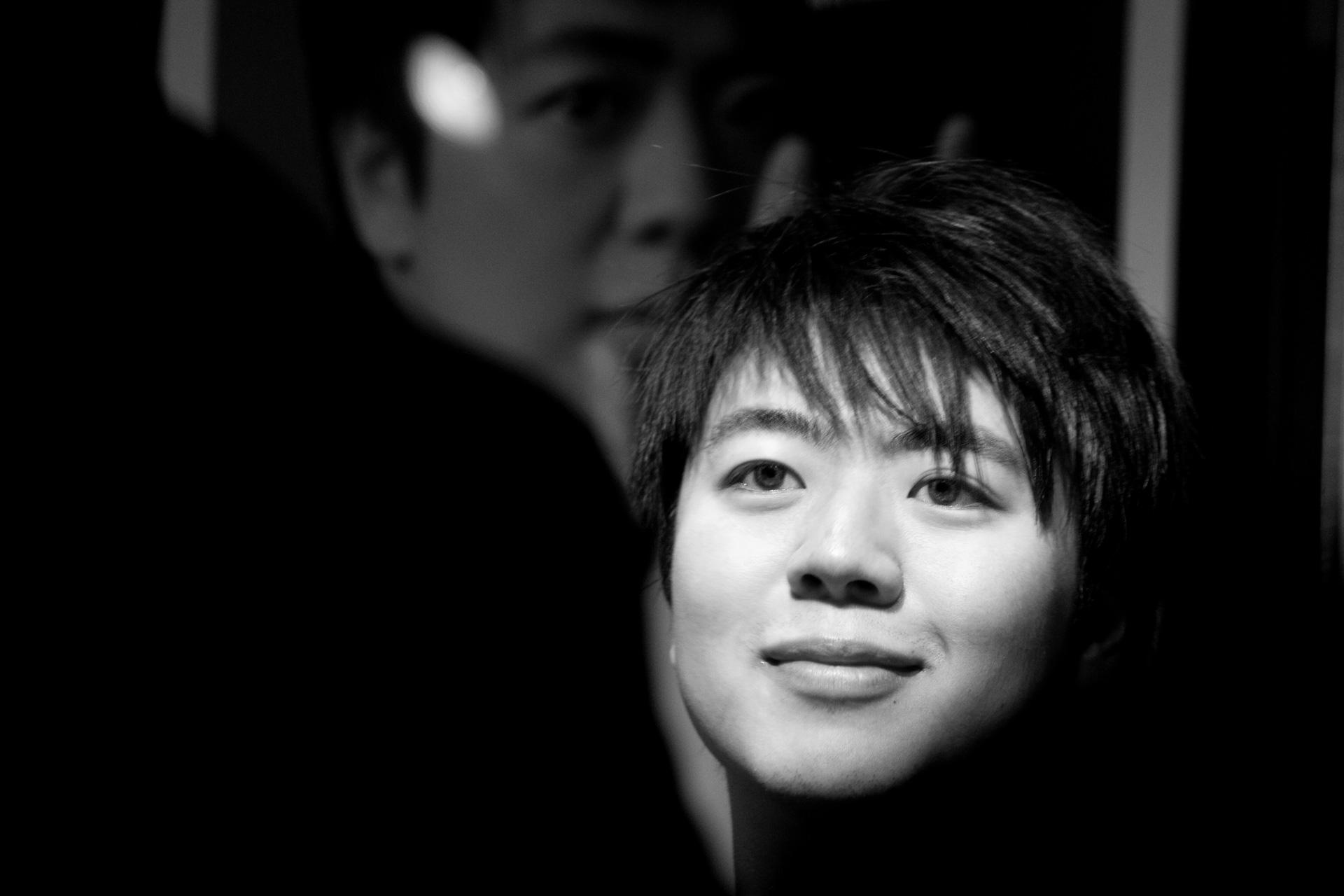 Der chinesische Pianist Lang Lang, 2013, nach einem Konzert im Kulturkaufhaus Dussmann, Berlin -