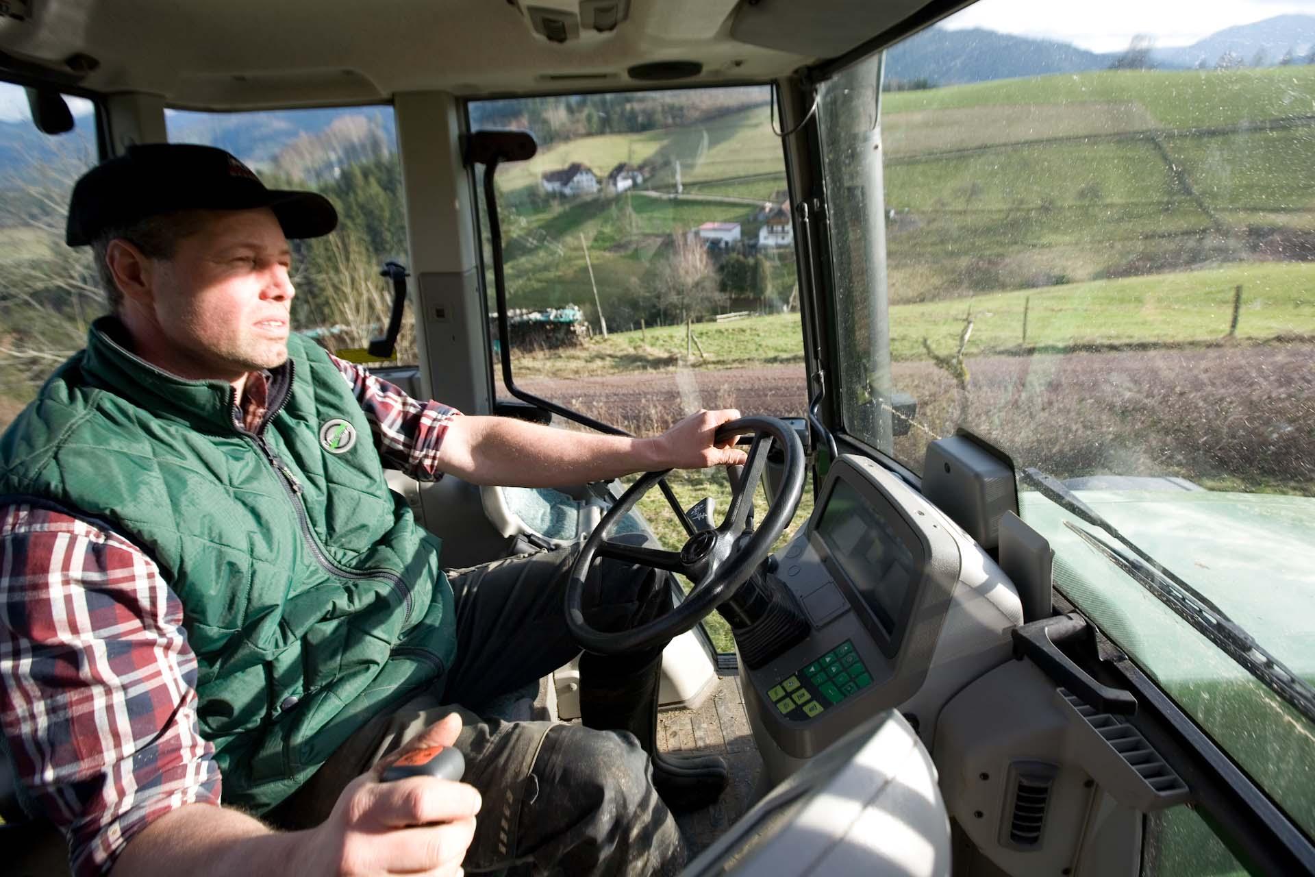 und Traktor fahren
