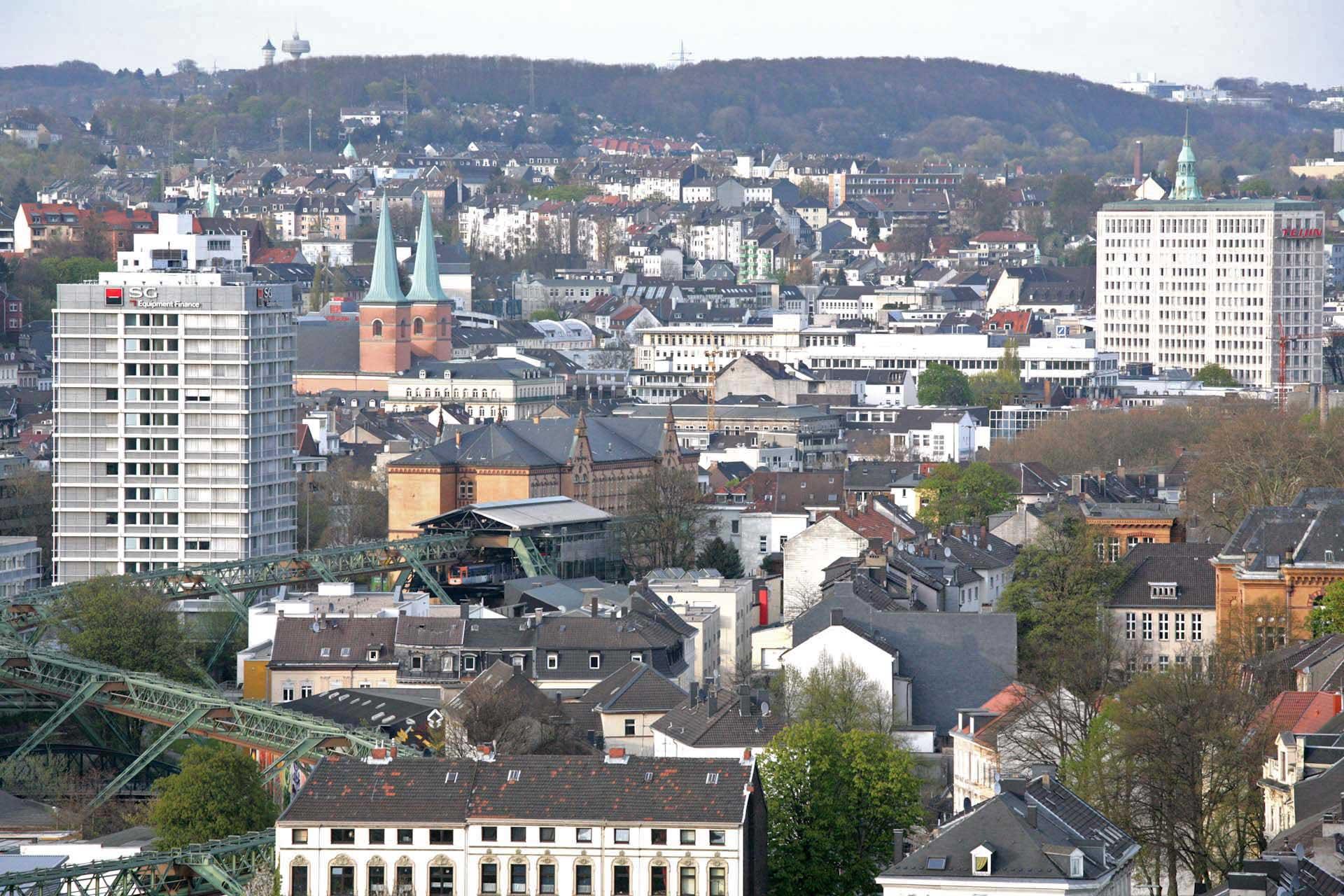 Blick von der Königshöhe auf die Elberfelder Innenstadt