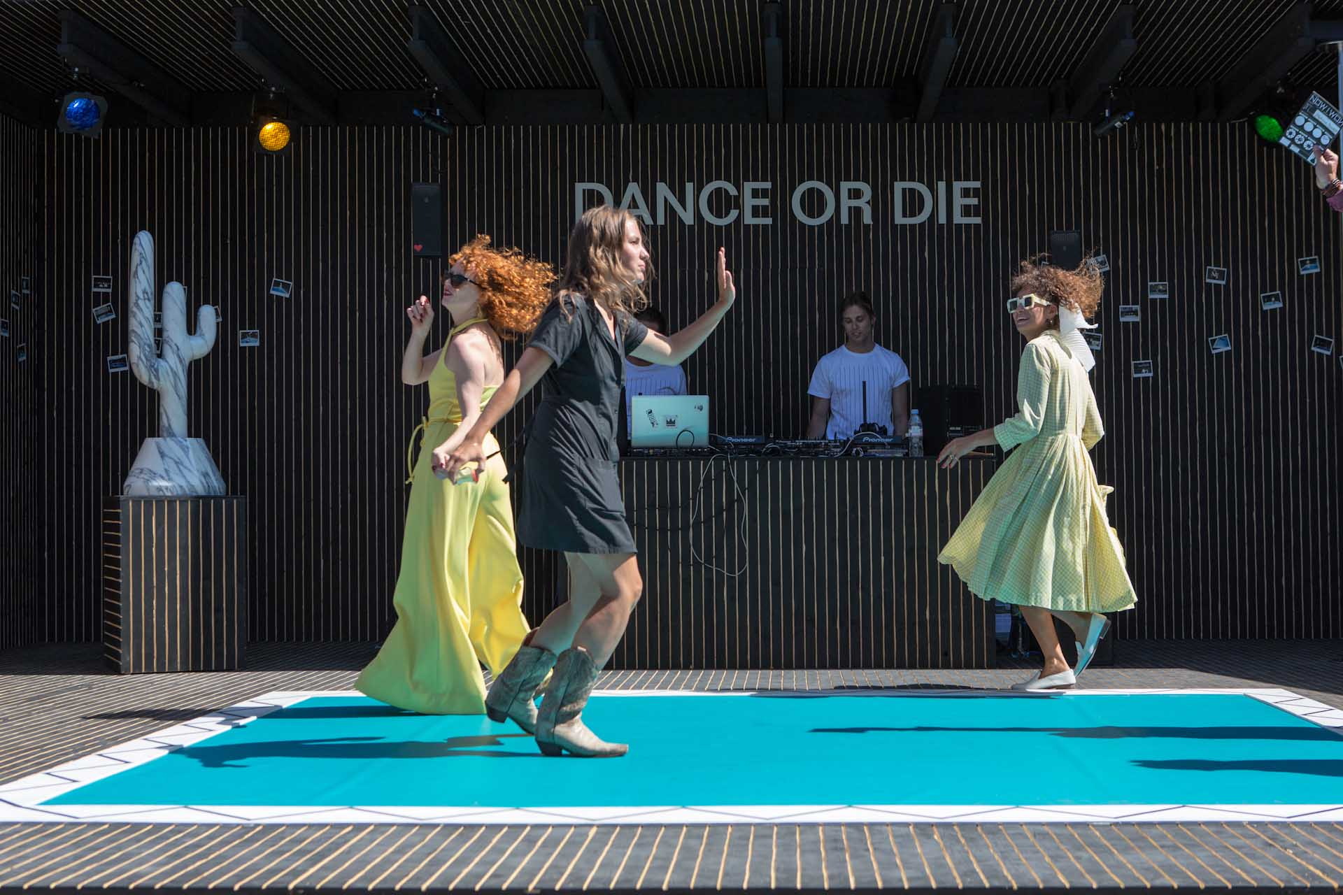 "Art Public 2017: There is also dancing on the exhibition square in the installation by Claudia Comte ""NOW I WON"""