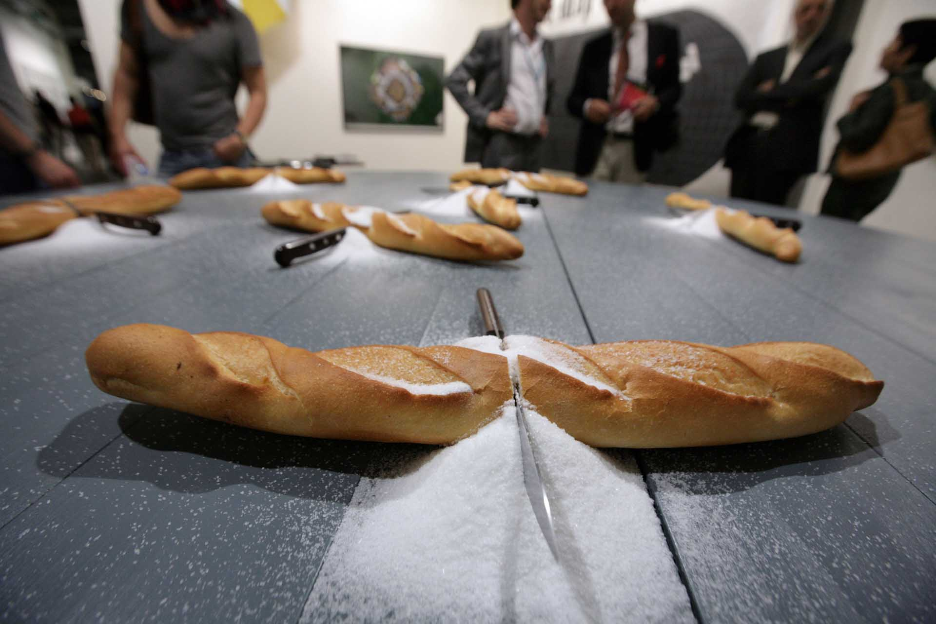 "Art 42, 2011: ""Stranieri"" (Foreigner), a round table with bread, salt and knives is the provocative installation by the artist Mircea Cantor in the booth of the gallery Magazzino from Rome"