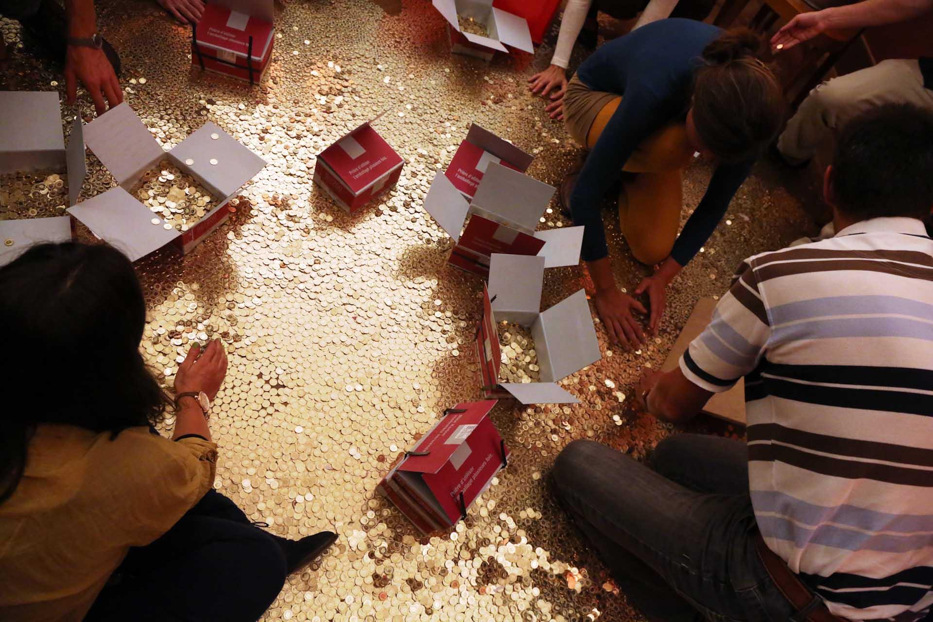 Die Idee ist eine symbolische Aktion: 400.000 Schweizer Franken in 8 Millionen 5-Rappen Münzen...