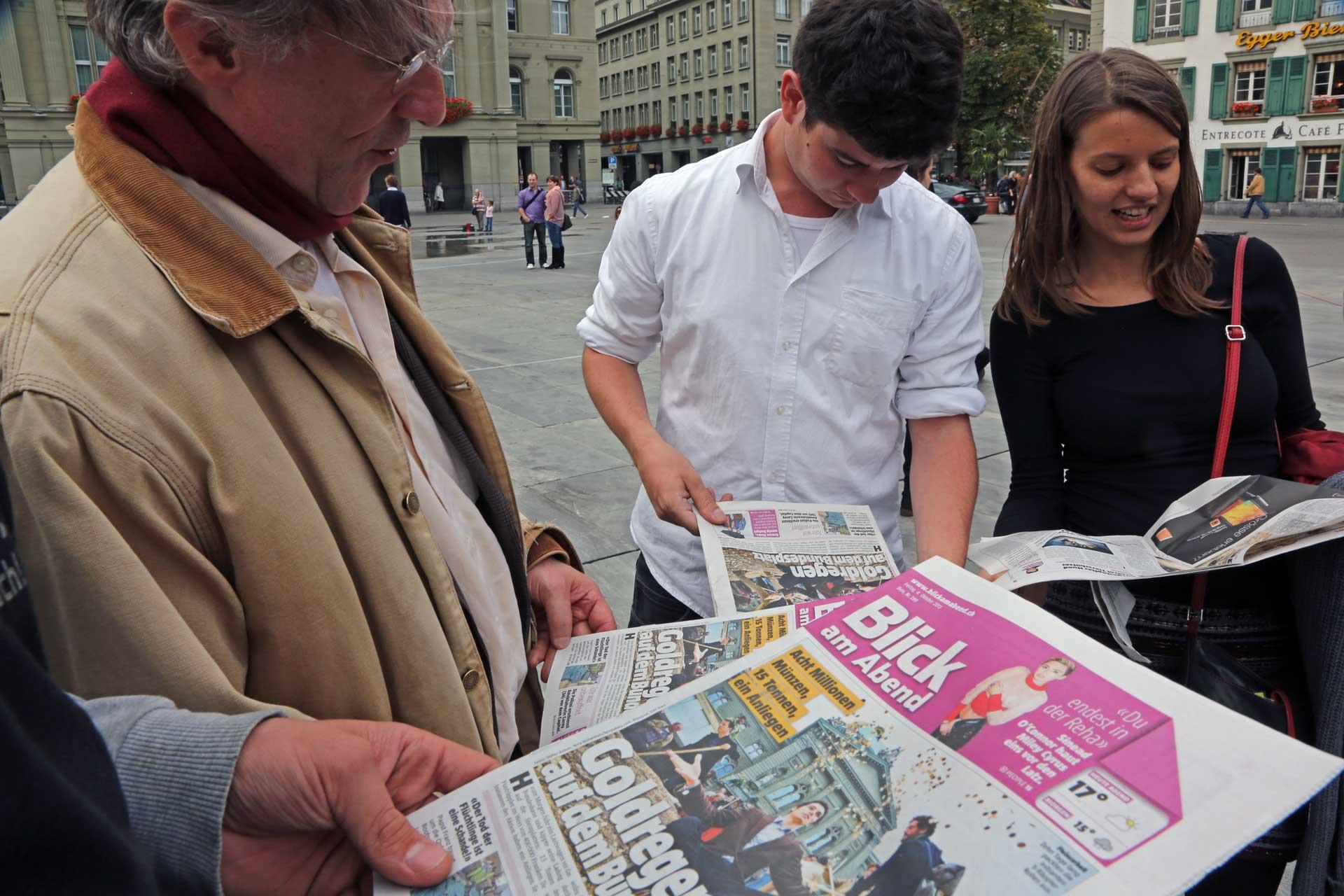 Das Thema der Initiative schafft es bei vielen Schweizer Zeitungen auf die Seite 1, das war die Idee...