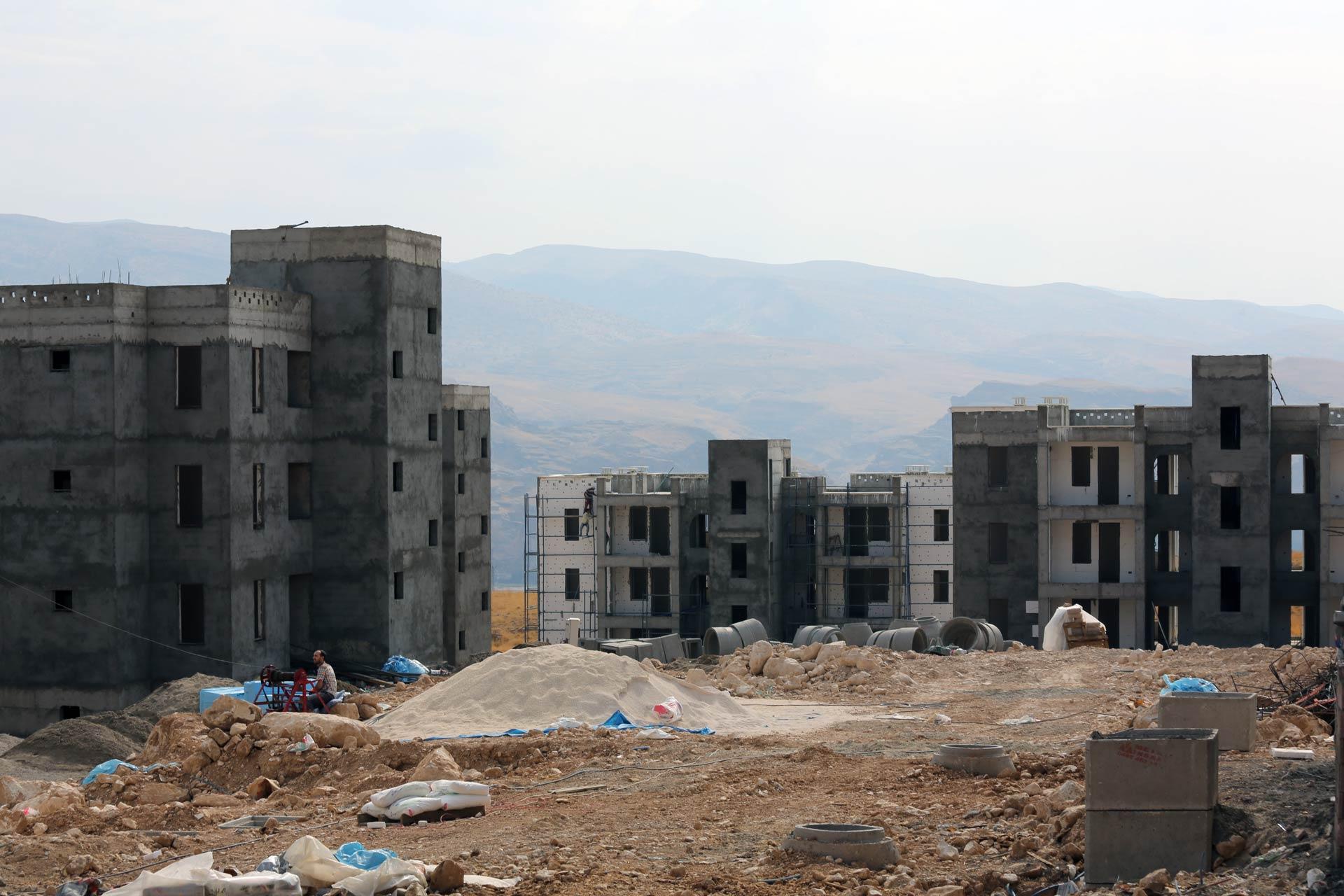Die zukünftigen Wohnhäuser von Yeni-Hasankeyf, im November 2015 noch im Bau.