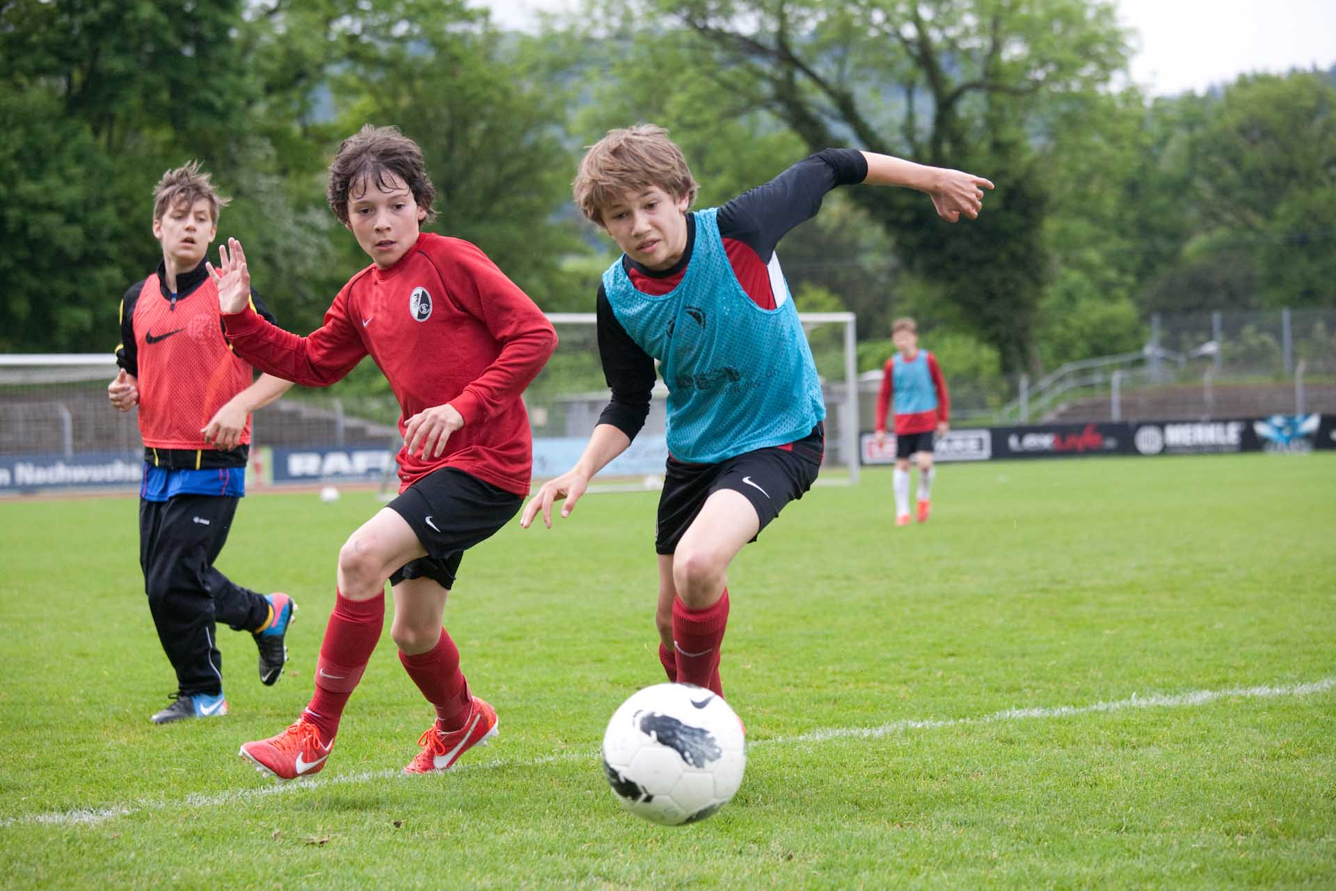 "Under-11 and under-12 boys during training at Freiburg's academy -  ""How Germany went from bust to boom on the talent production line"" THE GUARDIAN 23.05.2013"