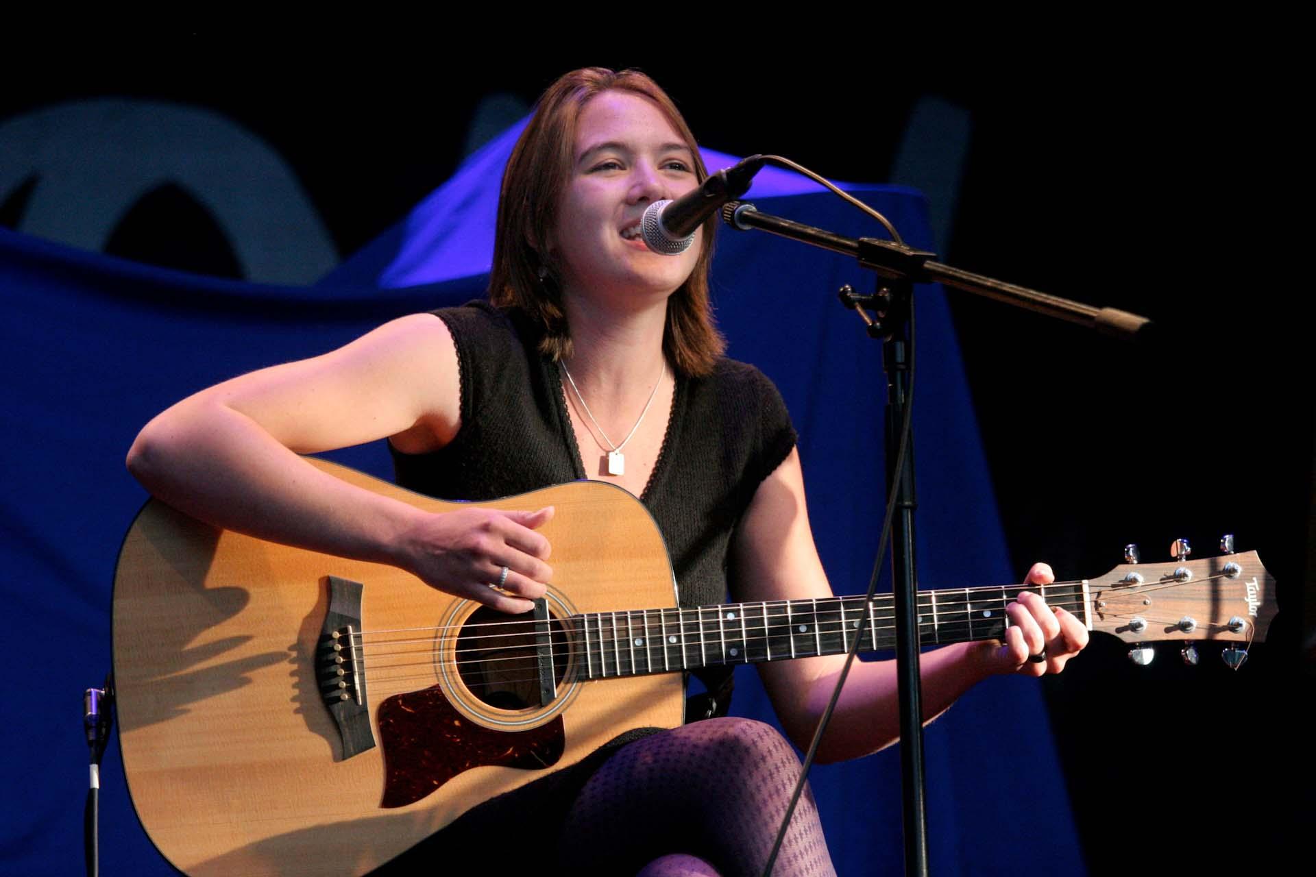 Stimmen 2007 im Wenkenpark – Die Karriere von Sophie Hunger hatte gerade begonnen