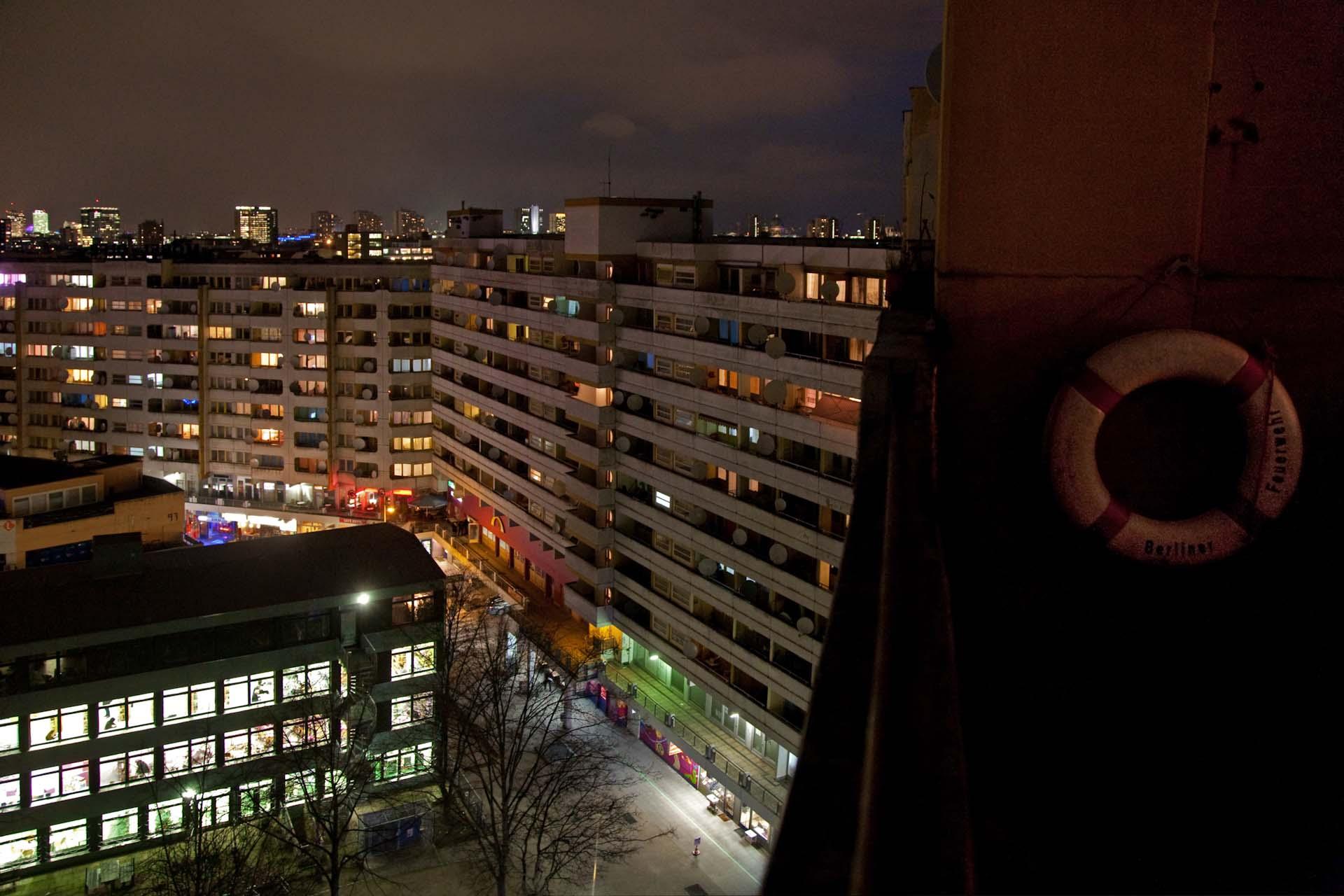 """Wohnblocks am """"Kotti"""", Kottbusser Tor, in Kreuzberg-Friedrichshain."""