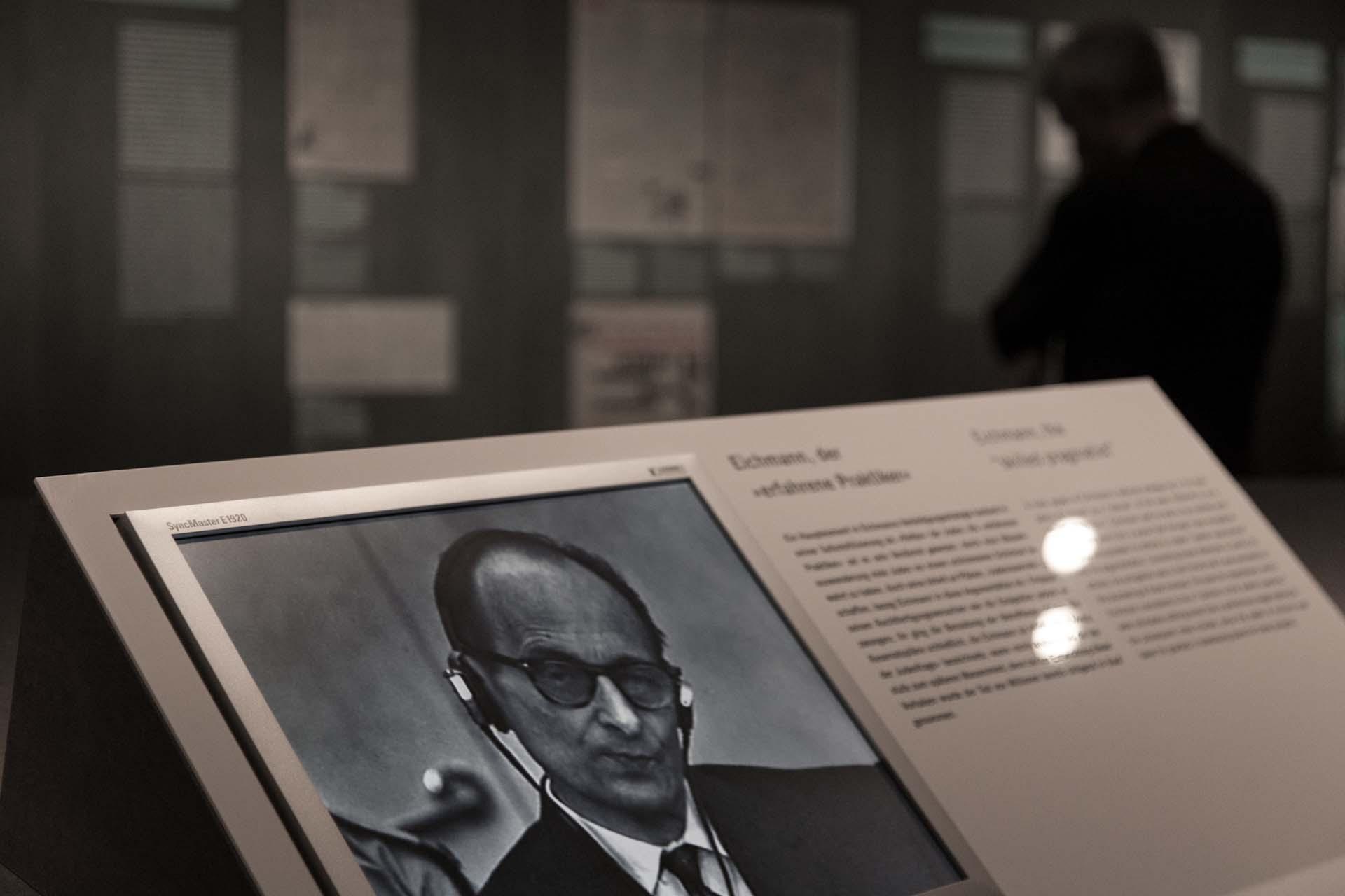 Adolf Eichmann vor Gericht in Jerusalem.