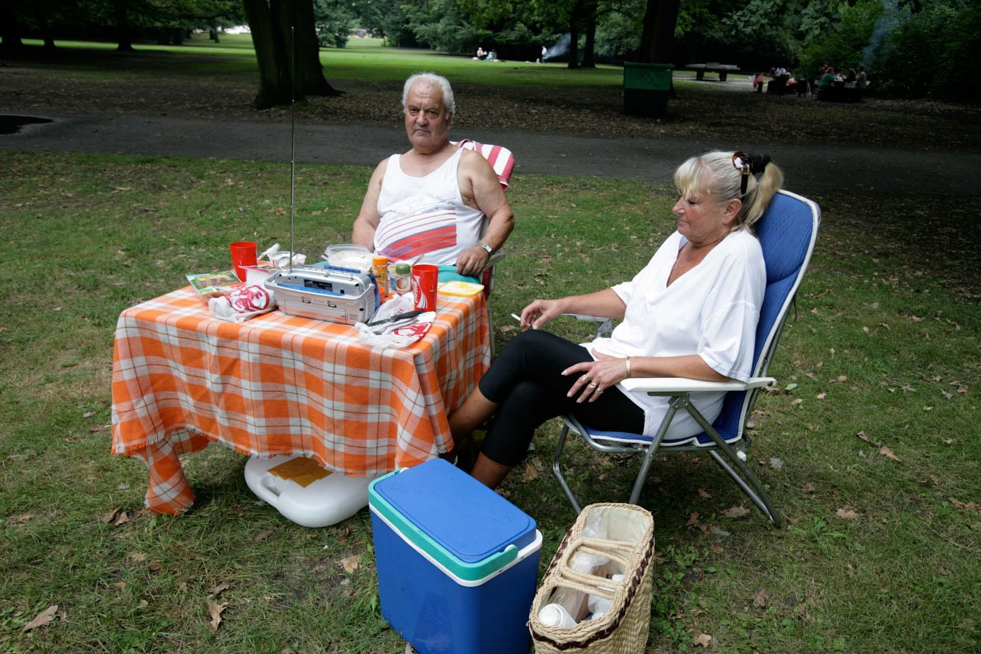 Echtes Berliner Picknick im Tiergarten.