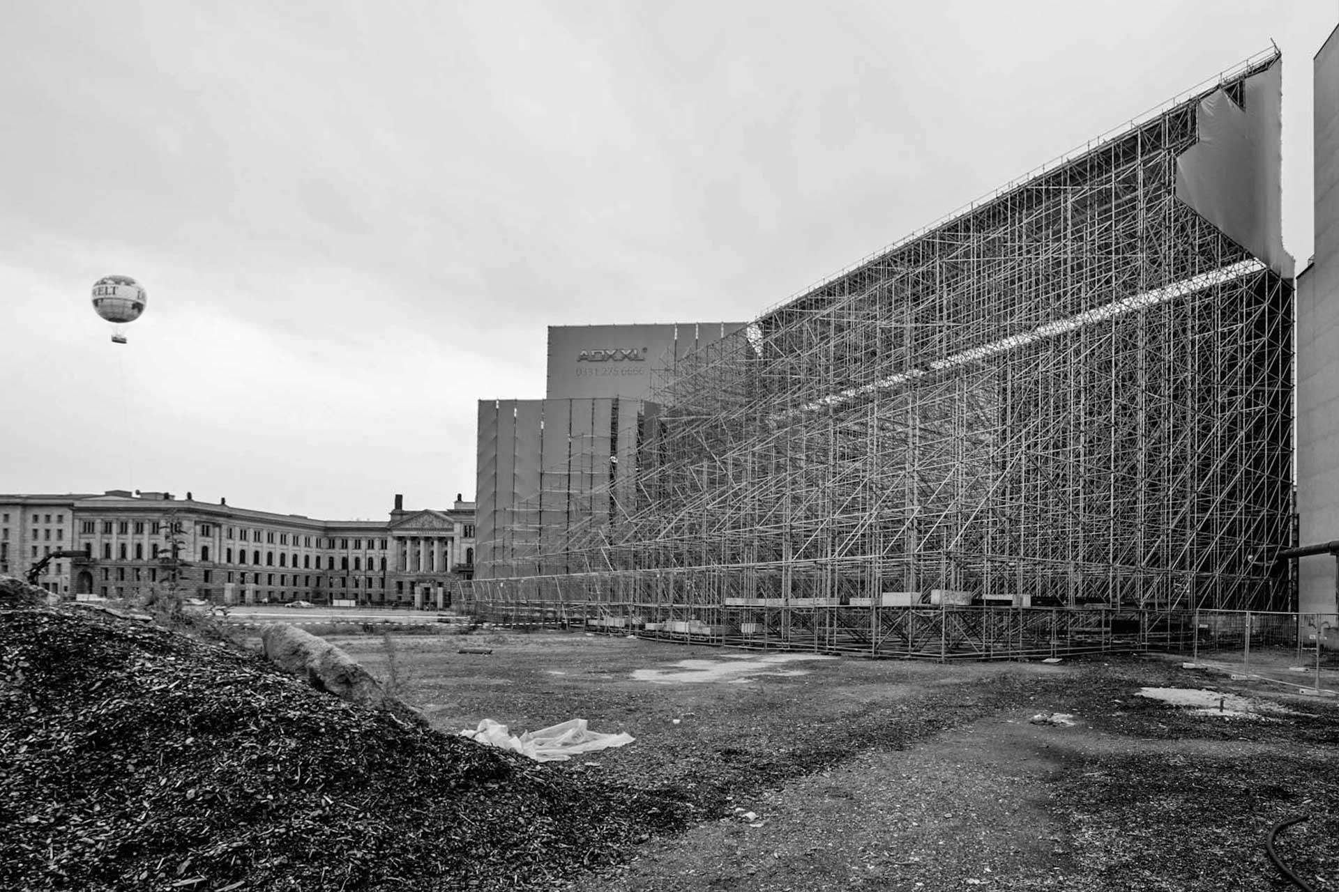Scheinarchitektur während der Bauphasen am Leipziger/Potsdamer Platz.