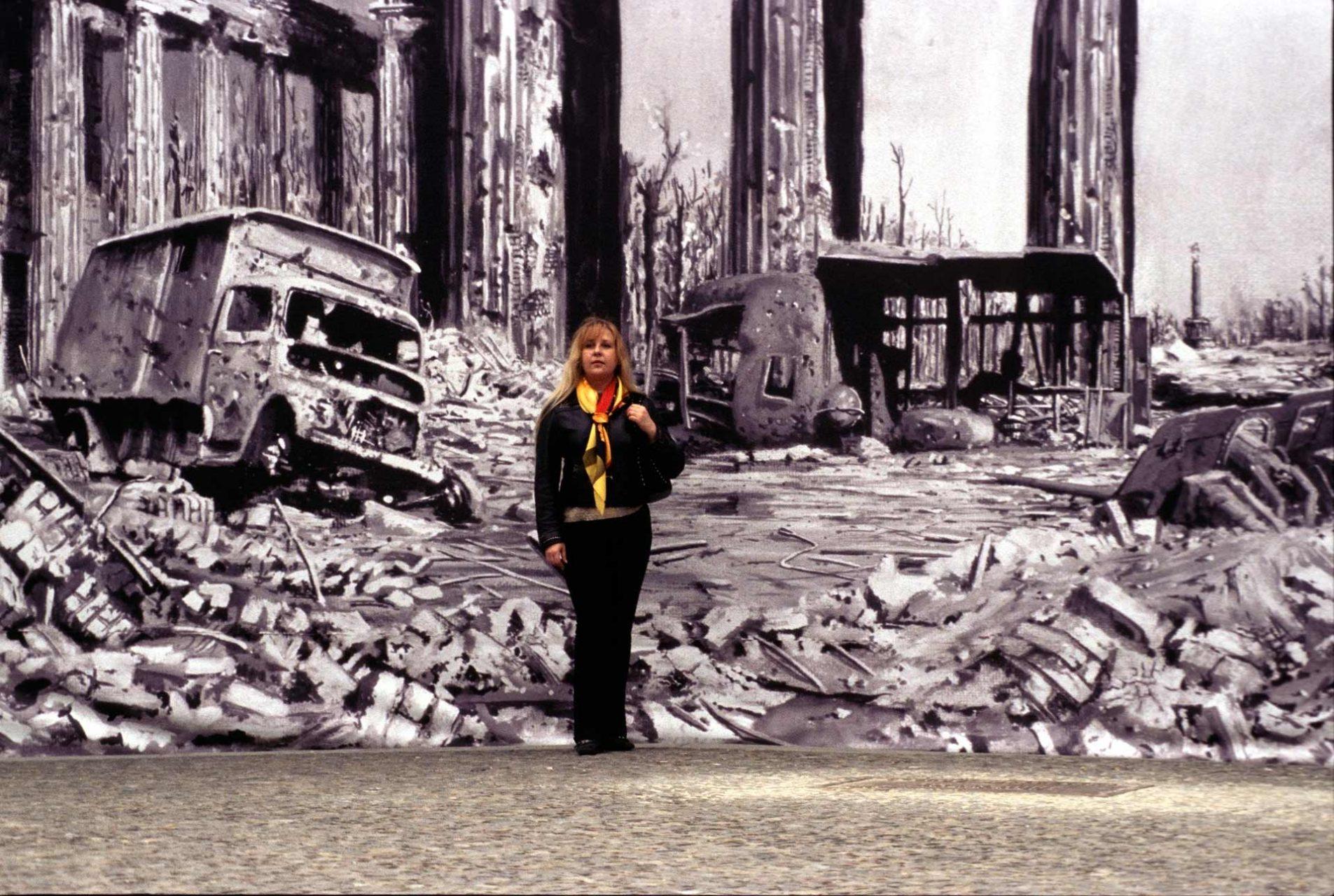 Eine Visualisierung des Brandenburger Tores auf dem Pariser Platz, wie es nach dem Kampf um Berlin ausgesehen hat.
