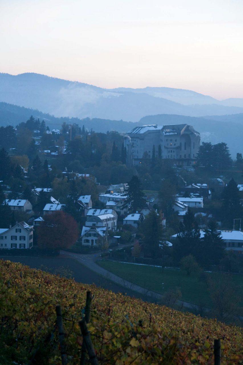 Ansicht von Osten mit Dornach und Jura, von Arlesheim aus gesehen – Dornach and the hill from the east side with Jura