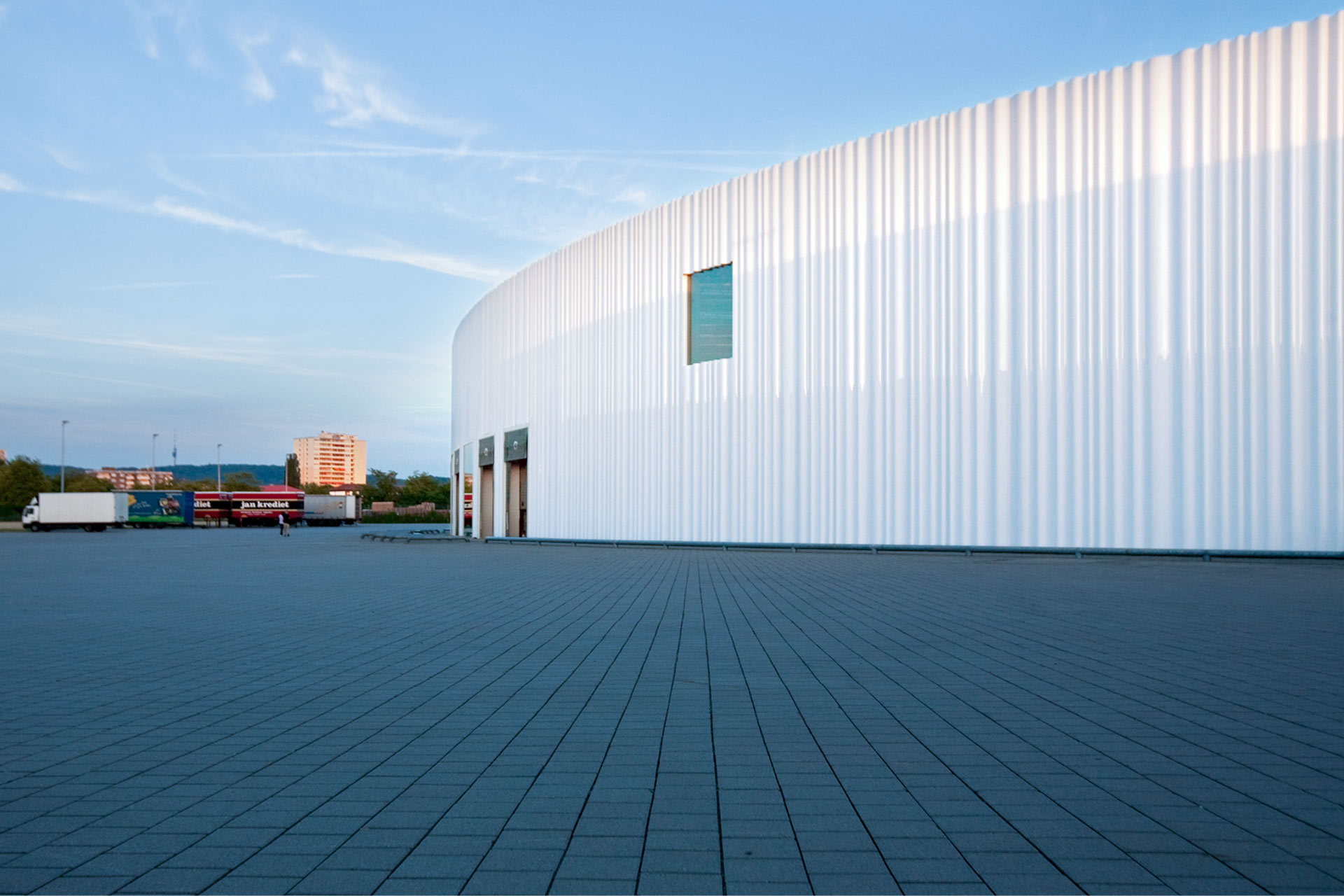 The production hall for logistics on the Vitra Campus according to a design of Sanaa Architects.